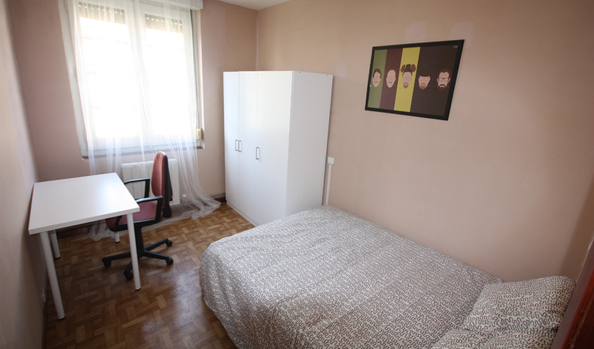 Habitación Sandra Bullock – Calle Almagro